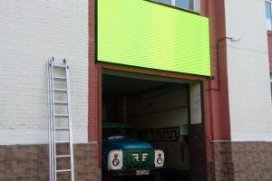Видеоэкран на кабинетах 3,84х1,92 шаг пикселя 5мм